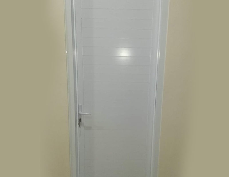 Pintu Kamar Mandi Spandrel